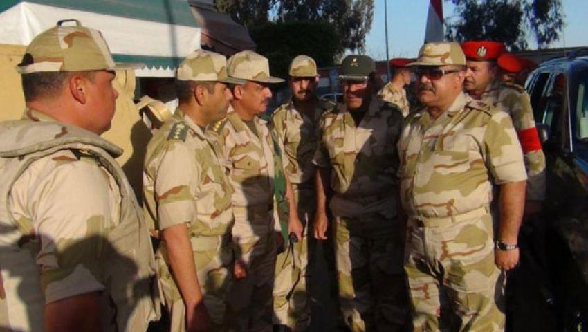 قائد الجيش الثاني الميداني يتفقد لجان الاستفتاء بالمنصورة