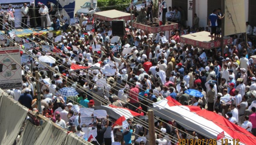 طائرات الجيش تلقي بيانًا باللغة الألمانية على مؤيدي مرسي ببني سويف