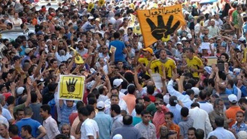 حركات معارضة تحاصر مؤسسات رسمية في 25 يناير