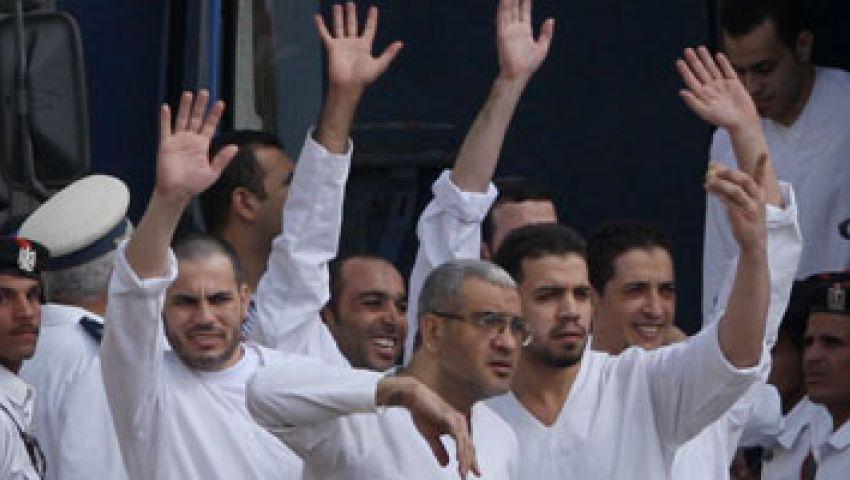 الدفاع بـ خلية أكتوبر يقدم العزاء في قتلى الشرطة والجيش