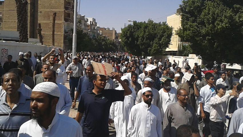 تفريق المتظاهرين من محيط مقر مديرية الأمن بقنا