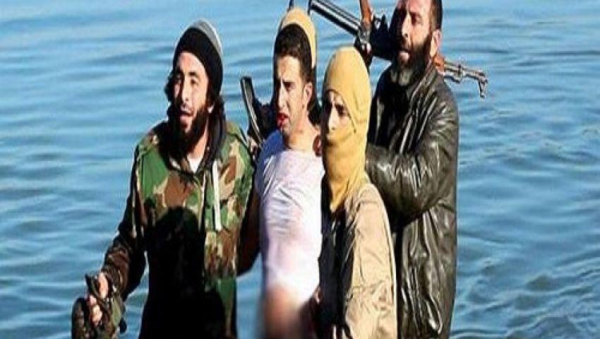 بالصور..داعش تسقط طائرة للتحالف الدولي وتقبض على الطيار