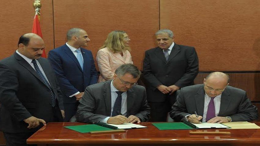 محلب يشهد توقيع شراكة إنشاء مصنع للأنسولين