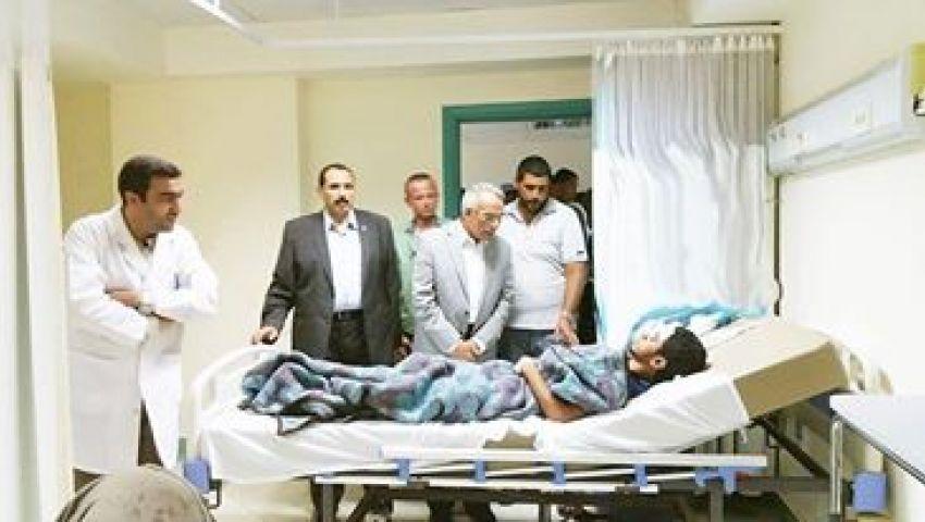بالصور| محافظ شمال سيناء يزورضحايا تفجيرات الشيخ زويد