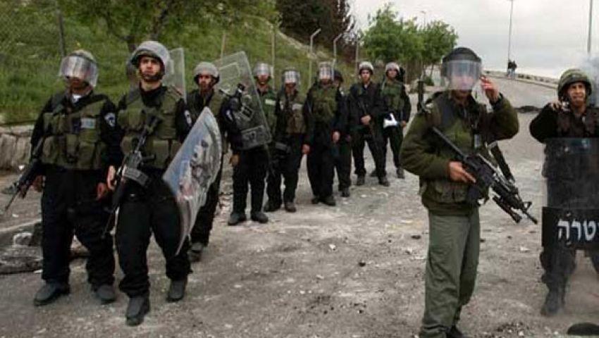 الاحتلال يعتقل 10 فلسطينيين بالضفة والقدس