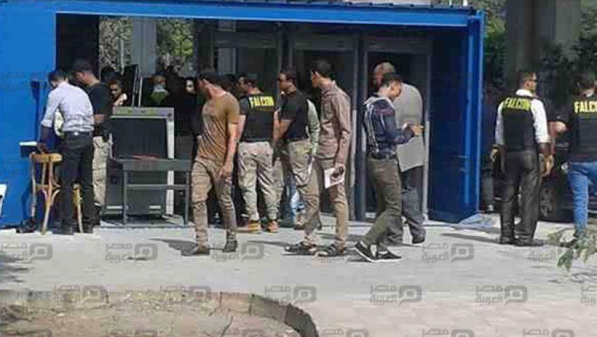 بالصور.. كاشفة مفرقعات وأبواب إلكترونية في جامعة الأزهر