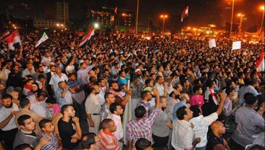 متظاهرو التحرير يتزايدون ويغلقون الميدان بالكامل