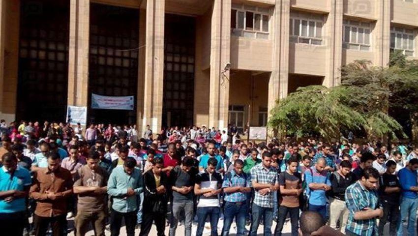 بالصور.. صلاة الغائب على طالب هندسة الإسكندرية بالجامعة