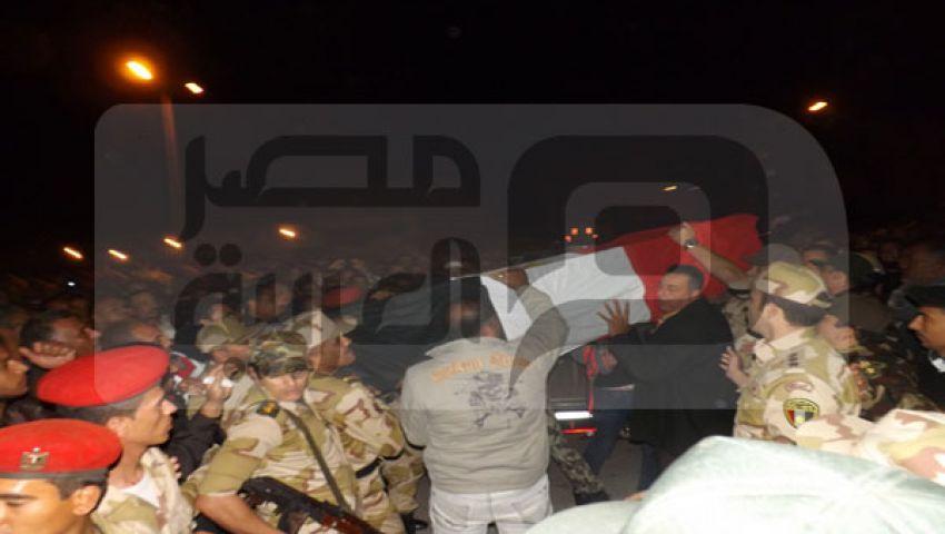 أهالي رأس غارب يشيعون ضحية هجوم سيناء