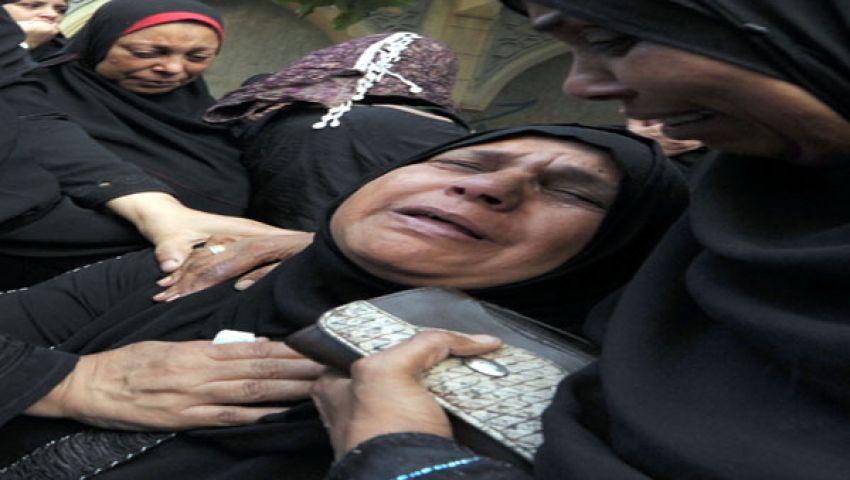 انهيار والدة طفل الإسكندرية