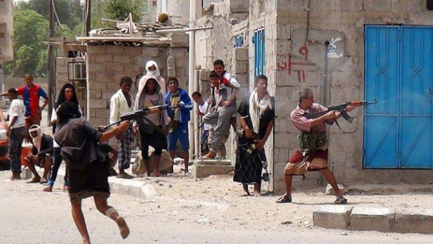 القوات اليمنية تستعيد مواقع على مشارف عدن