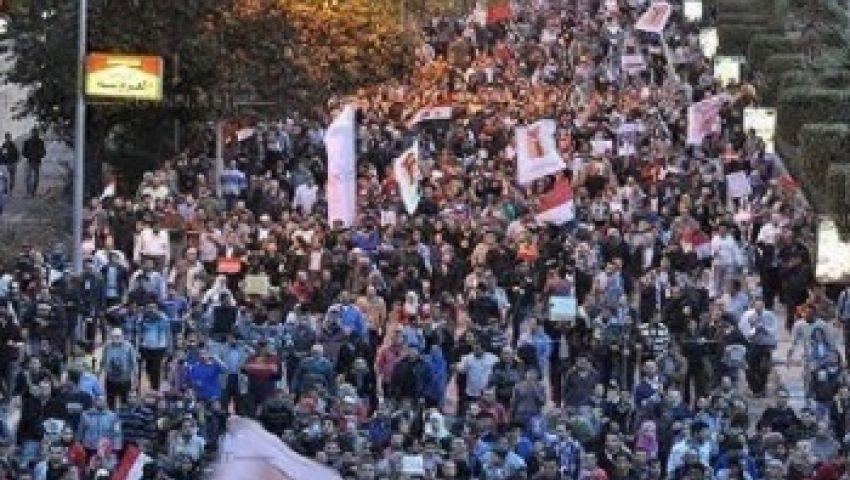 العشرات بالتحرير... الله عليك ياسيسي مرسي مش رئيسي