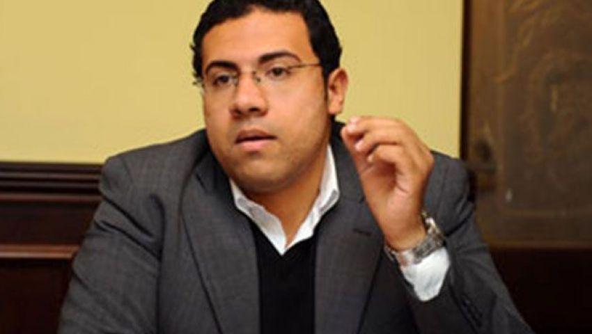 أحمد خيري: من يفكر بالعمل في الحكومة إنسان عديم الطموح