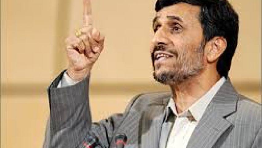 نجاد أول رئيس إيراني يزور النجف منذ 33 عامًا