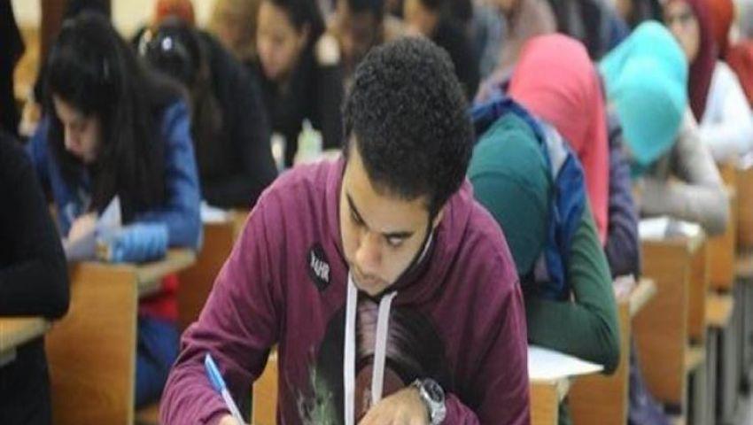 669 ألف طالب ثانوية عامة يبدأون امتحان اللغة العربية