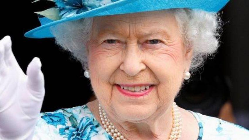 الملكة إليزابيث تطلب موظفًا خاصًا بـ «السوشيال ميديا».. تعرف على راتبه