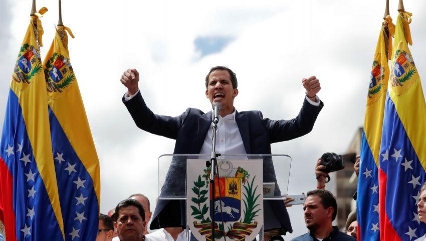 جوايدو يعترف بإجراء اتصالات «شديدة السرية» مع عسكريين في الجيش الفنزويلي