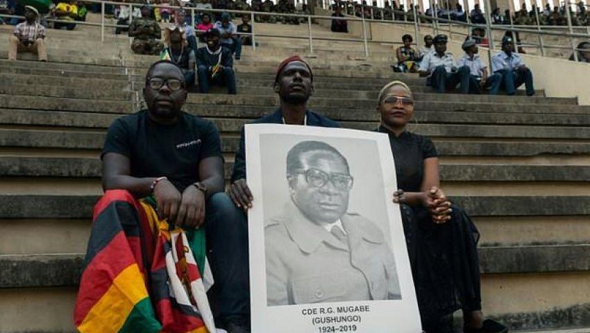 الفرنسية: أفريقيا تودع موجابي بطل «استقلال وخراب» زيمبابوي