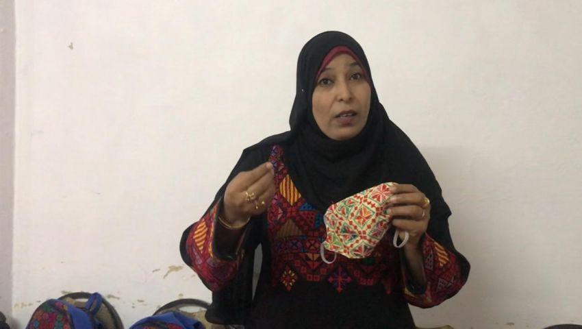 صور| سيناويات يطوعن إبداعهن لمجابهة كورونا بكمامات مطرزة يدويا