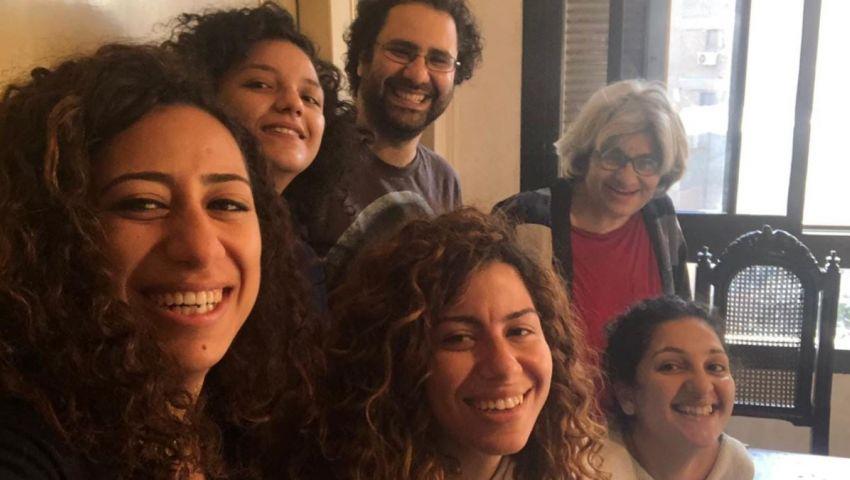 إخلاء سبيل أسرة علاء عبد الفتاح ورباب المهدي بكفالة 5 آلاف جنيه