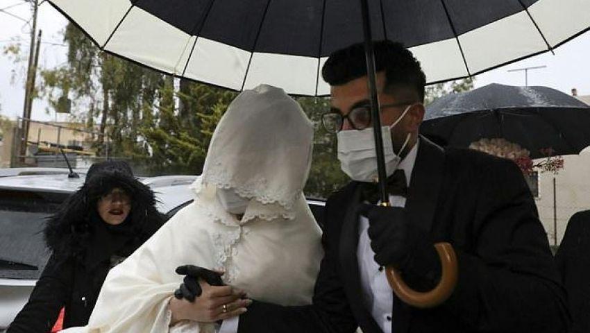 زمن كورونا.. حفل زفاف بالأقنعة في الضفة الغربية