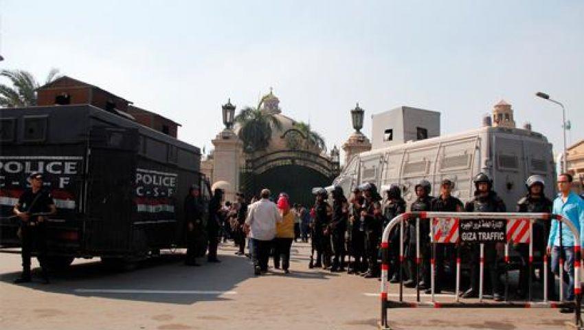 انتشار أمني وتفتيش حقائب الطلاب بجامعة القاهرة أول أيام الدراسة