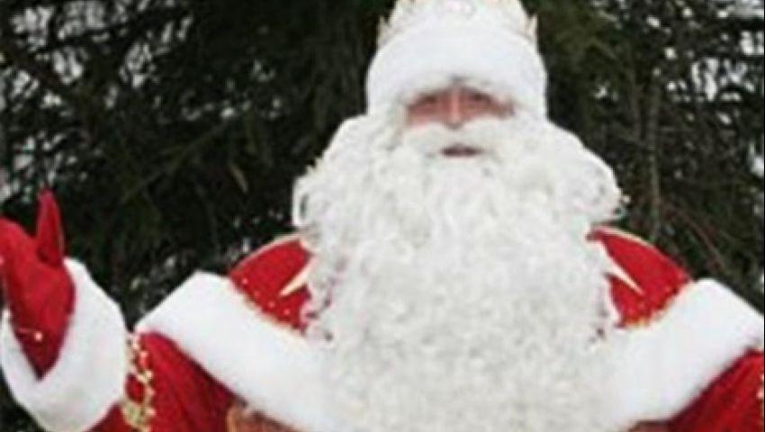 بالفيديو.. بابا نويل يشتكي الهجر وعدم الإقبال