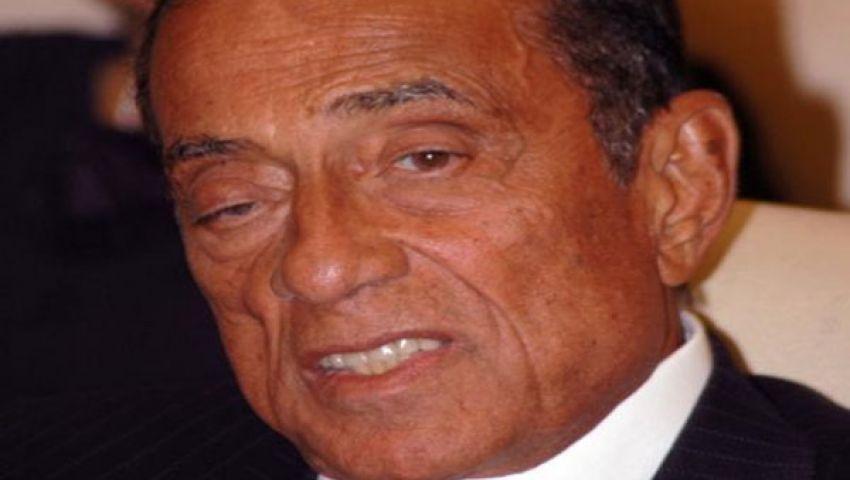 حفيد حسين سالم يغادر القاهرة