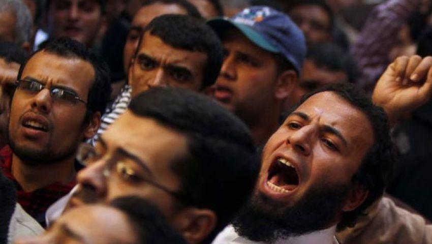 الآلاف من أسيوط يصلون القاهرة لتأييد مرسي