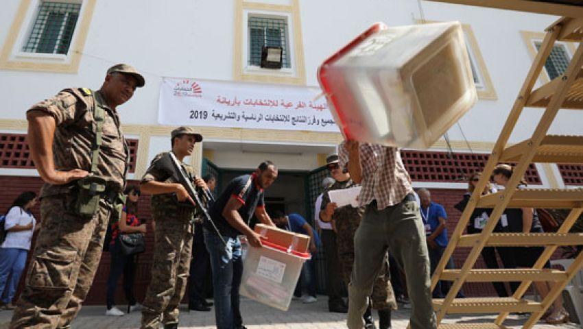 نتائج غير رسمية.. سجين تونسي يبلغ جولة الإعادة في رئاسيات تونس