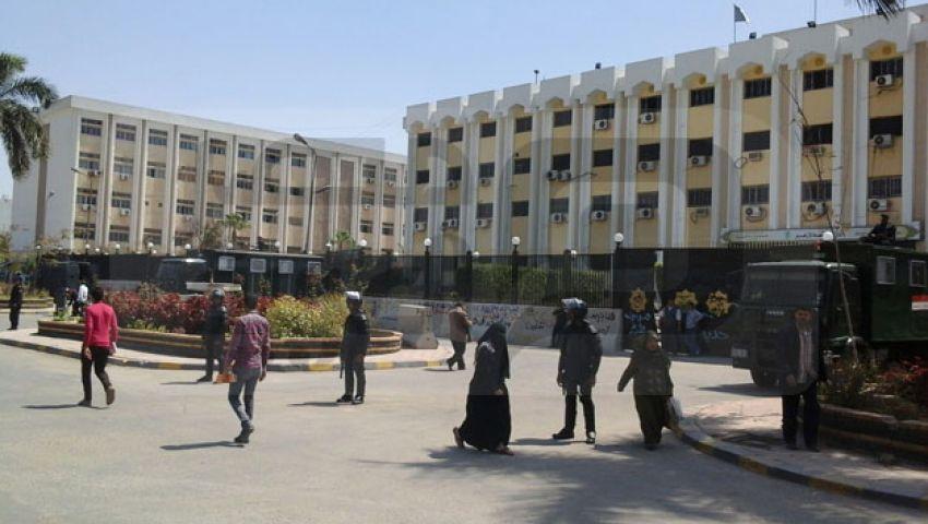 بالصور.. الجامعات.. غاب الطلاب وحضر الأمن