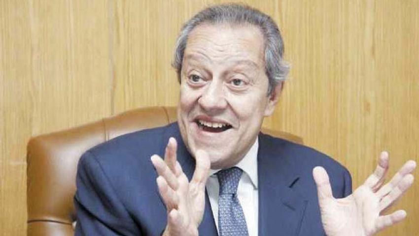 وزير الصناعة يناقش وضع الاقتصاد في إفطار جماعي