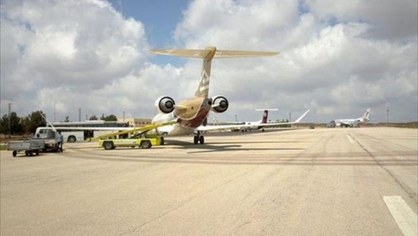 مجهولون يهاجمون مطار الأبرق بشرق ليبيا