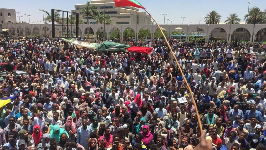 تحالف سوداني معارض يكشف مخطط الجيش تجاه «اعتصام القيادة العامة»