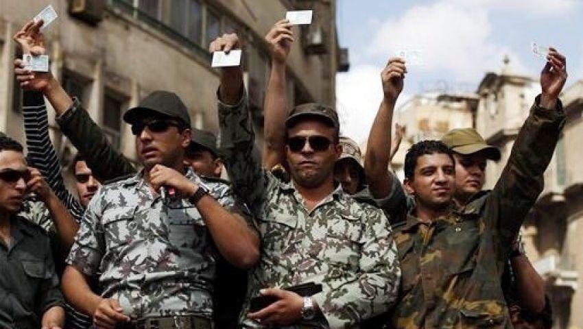 ضباط 8 ابريل  : لا انشقاقات داخل الجيش