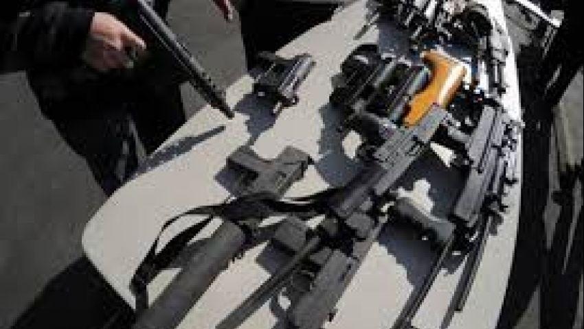 النيابة تأمر بضبط صاحب شحنة السلاح بميناء الإسكندرية