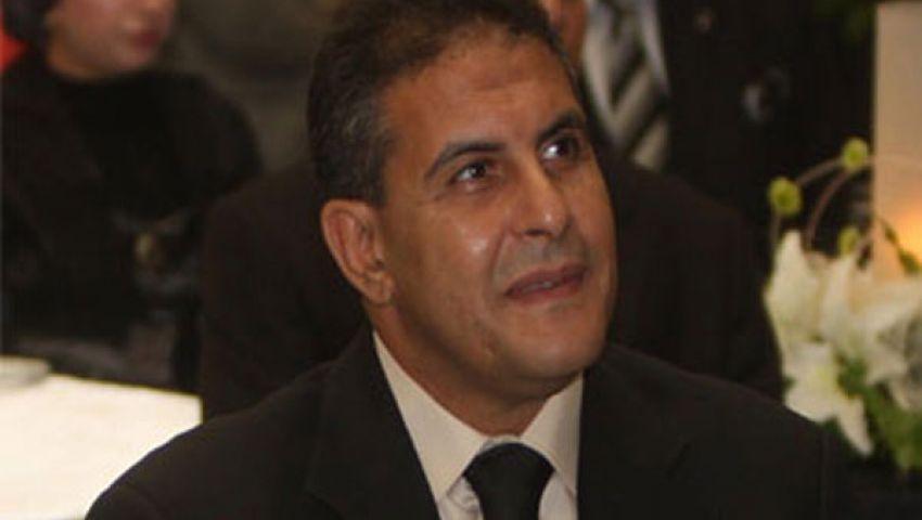 طاهر أبو زيد يتقدم بأوراق ترشحه لرئاسة الأهلي