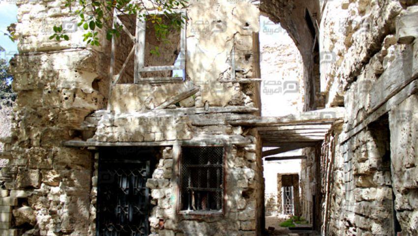 بالصور.. آثار الإسكندرية المهملة.. كنوز تاريخية في طي النسيان