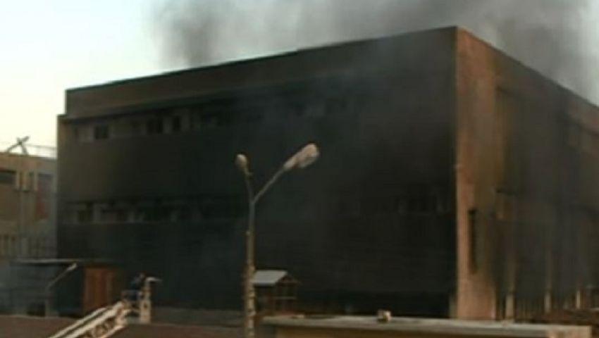 فيديو.. السيطرة على حريق بشركة إيديال