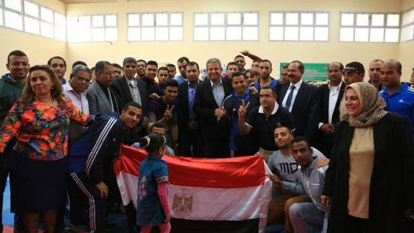 صور.. وزير الرياضة يشهداالحفل الختامي للعروض الرياضية بالأقصر