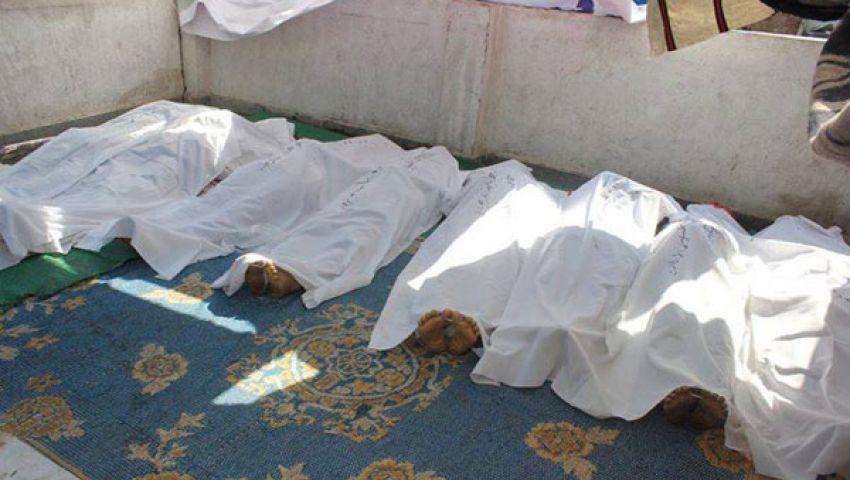 الآلاف يؤدون الصلاة على شهداء مجزرة المنصة ببني سويف