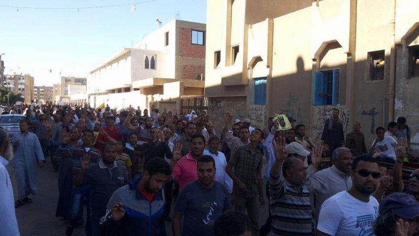 مسيرة لـ رافضي الانقلاب تجوب شوارع السويس