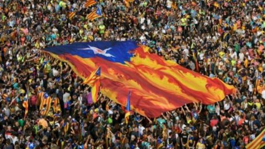 الفرنسية: مظاهرات الغضب في برشلونة.. الأكبر في كاتالونيا