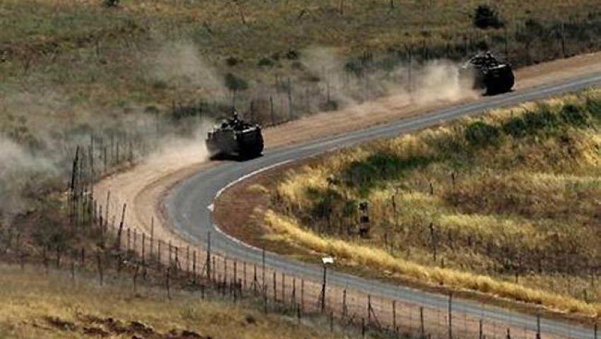 مقاتلان من المعارضة السورية يفتحان النار على دورية إسرائيلية