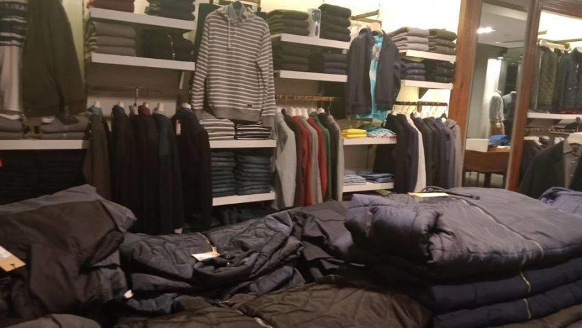 الملابس الشتوية.. استقرار في الأسعار والمبيعات تتراجع للنصف