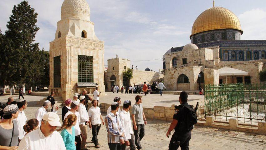 بعد ساعات من دعوة «جماعات الهيكل».. يهود يدنسون الأقصى