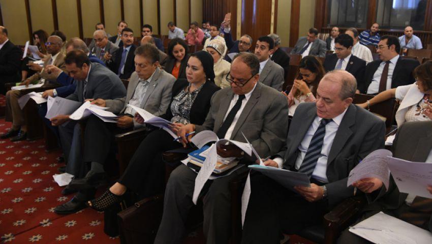 مطالبات برلمانية بمحاكمة المهاجرين غير الشرعيين.. والحكومة ترفض