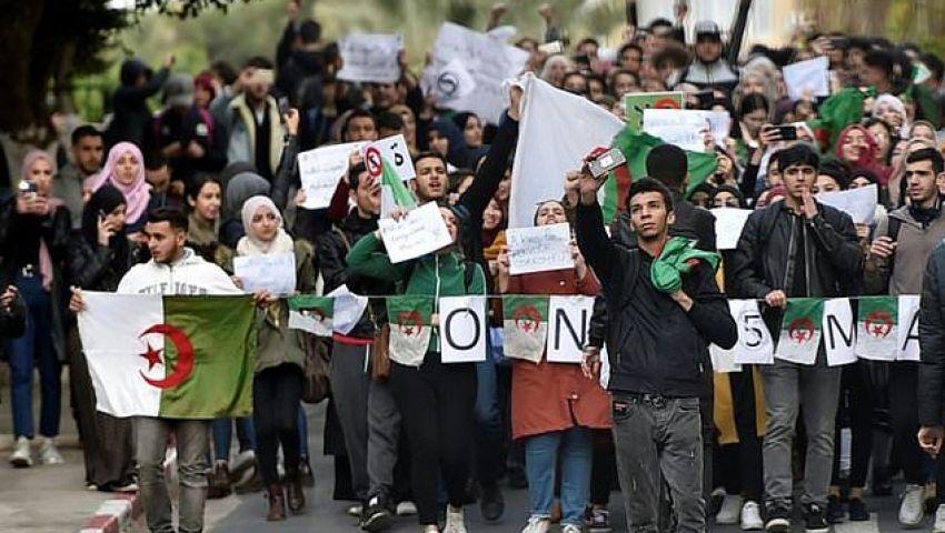 الفرنسية: في احتجاجات الجزائر.. الأسوأ لم يأت بعد