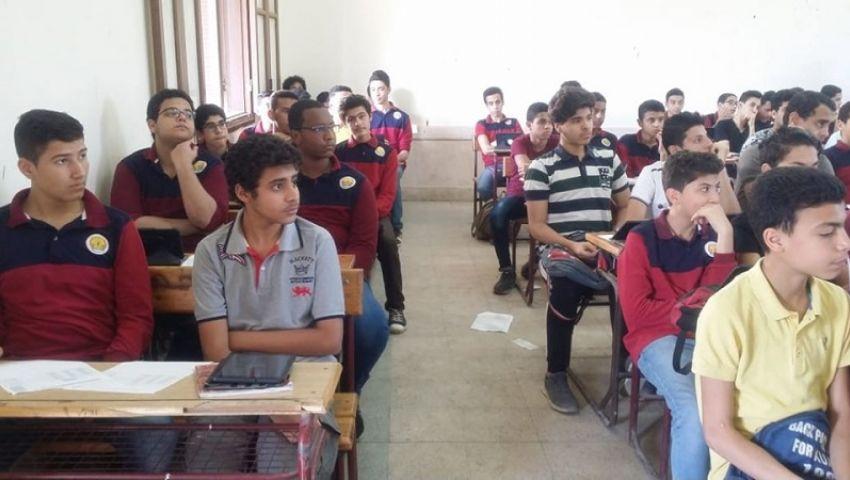 إلكترونيوورقي..«أمهات مصر» : طلاب امتحانات اولى ثانوى «كعب داير»