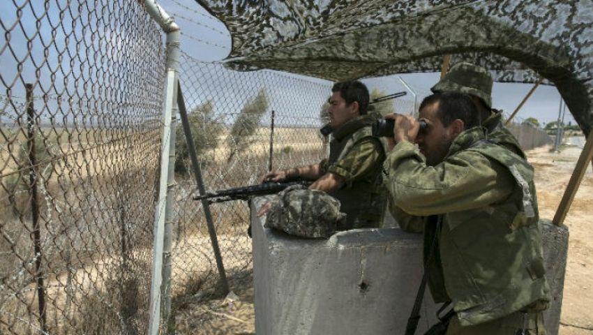 قوات إسرائيلية تطلق النار على مزارعين فلسطينيين وسط غزة